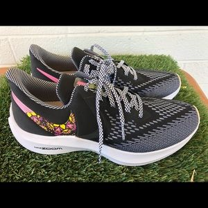 Women's Nike Zoom Windflo Running Shoes Sz 10